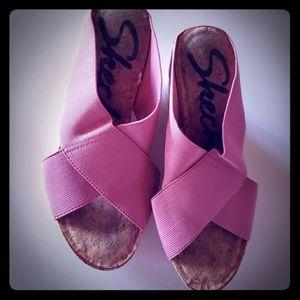 Women's Skechers platform heels in pink
